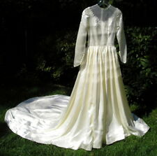 Vintage~Satin Long Train Wedding Dress Gown Stunning Pearls Covered Buttons OLD