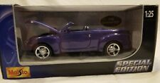 Maisto 1:25 2004 Chevy SSR Pickup Convertible Chevrolet Truck - Special Edition