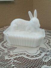 Vintage Westmoreland Easter Bunny On Nest Trinket Box