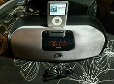 JBL On Beat Rize iPad/iPhone/Mp3 Docking Bedroom Speaker + audio cable