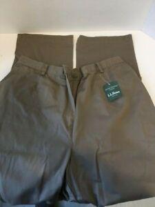 LL Bean Women's Wrinkle-Free Bayside Pants, Original Fit Comfort Waist, Size 18