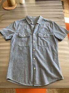 Save Khaki United men's short-sleeve button down blue chambray shirt sz S USA