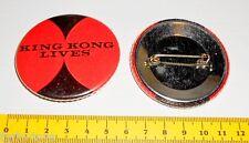 KING KONG LIVES  70s Mondadori Italy metal badge  pin - spilla in metallo