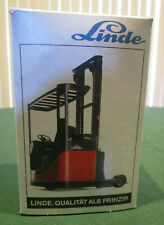 Conrad Model #2981, Linde R14 Electric highlift fork truck, 1/25 scale