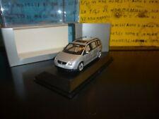 1/43 Minichamps Volkswagen Touran silver gris silber DEALER PROMO BOX 841902107