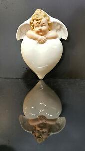 9924037-ds Porzellan Figur Engel mit Herz-Wand-Vase handbemalt Wagner&Apel H14cm