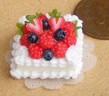 1:12 Maßstab Quadratisch Obstkuchen mit Weiß Glasur Puppenhaus Bäckerei Zubehör