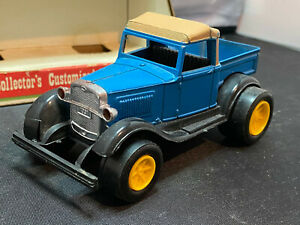 Vintage 1974 Tootsietoy Ford Model A Customized Series Diecast Car With Box