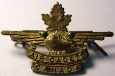 WW2 CANADIAN AIR CADET CAP BADGE NICE  TAKE A PEEK
