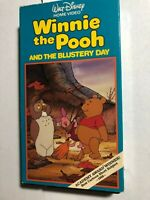 WALT DISNEY WINNIE THE POOH AND THE BLUSTERY DAY ACADEMY AWARD WINNER VHS 1968
