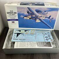 Hasegawa 1/72 E-2C HAWKEYE 2000 U.S.NAVY Plastic Model Kit NEW OLD STOCK 01561