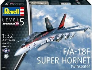 Revell 03847 1:32nd scale Boeing F/A-18 Super Hornet twin Seater New for 2021