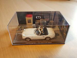 Toyota 2000 GT  Cabrio James Bond inclusive Begleitheft  Maßstab 1:43