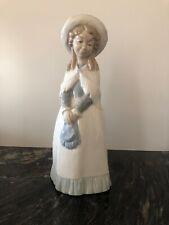 "Lladro Espagne Nao Figurine-Femme avec châle & Sac 11"" parfait"