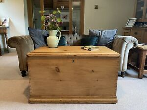 Old Antique PINE CHEST, LARGE Wooden Blanket TRUNK, Coffee TABLE, BOX, Storage.