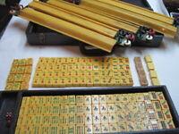 Vtg Mahjong Set •156 Bakelite Tiles 5 Bakelite Racks, Wheels Bamboo Birds w/Case