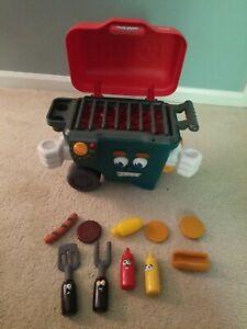 Playskool Cool Crew Bobby Q Magic Talking Barbeque Grill w/Condiments Tools T513