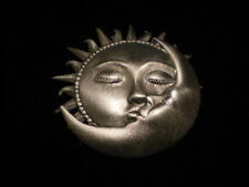 JJ PEWTER PIN ** SUN AND MOON KISSING   ** ** BEAUTIFUL