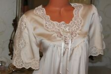 """(S12)David Nieper Super Soft Creeam Faux Satin&Lace Long Night Gown Bust 40"""""""