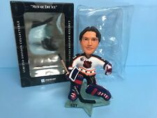Patrick Roy NHL STANLEY CUP Goalie Limited Edition Bobblehead 652 of 1,033