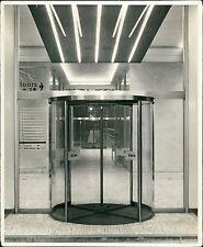 Revolving Interior doors. Unknown building. London photographers. (ZO.5)