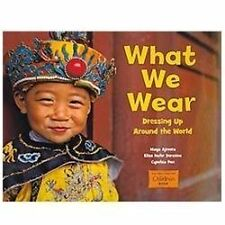 What We Wear: Dressing Up Around the World (Global Fund for Children Books), Pon