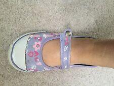 Women's Divas Shoes Size 5