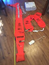 MAN OVERBOARD MODULE MARK VI A / CO2 INFLATED RECOVERY JACKET AND FLAG MARKER