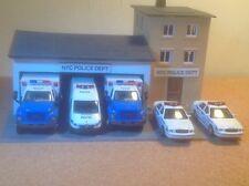 POLICE  Station NEW YORK CITY (NYC) w/5 police vehicles.ho new RARE.Custom built