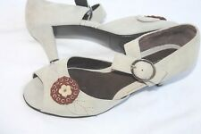 Aerosoles Sweet Desscurt Suede Peep Toe Sandal with Flower vtg look