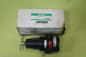 Speedaire 3/8 Pneumatic Air Pressure Regulator 1Z696B NEW IN PACKAGE