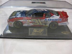 Nascar #31 Mike Skinner Signed Lowe's Monte Carlo 1:24 Scale Diecast Revell 2000