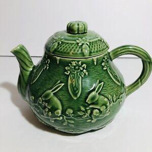 Bordello Pinheiro Green Bunny Rabbit Glazed Majolica Pottery Teapot Portugal