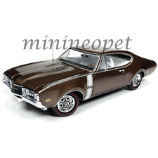 AUTOWORLD AMM1084 1968 OLDSMOBILE CUTLASS 442 W-30 HARD TOP 1/18 DIECAST BRONZE