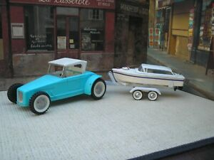 """NYLINT HOT ROD WITH BOAT TRAILER AND BATT OPERATED PLASTIC BOAT (BOTH 19"""") LONG"""