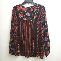 Torrid Peasant Top Size 00/M Red Black Floral V-neck Crochet Detail Blouse Boho