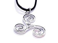Trisquel Triskelion Colgante Collar de cable de símbolo Pagano Wicca Celta