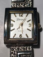 VINTAGE GENEVA SILVER TONE WOMENS WATCH D8936 VERY NICE CONDITION RARE STYLE!