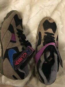 Vintage 90's Nike NGUBA Outdoor Trail Cleats Womens 6.5. 184007-040.