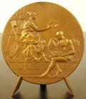 Médaille allégorie de l'enseignement c 1900 sc Rivet Allegory of teaching medal