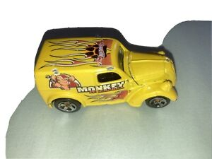 Monkey wrenches Hot Wheels used vintage with opening hood
