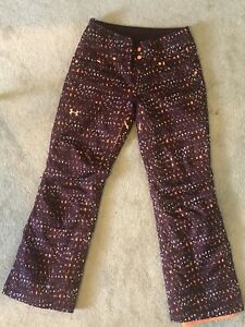 HARDLY WORN womens Under Armor XStorm 3 ski snowboard  pants SMALL Maroon Orange