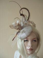 Or, marron, ivoire tons à plumes bouton fascinator coiffe chapeau ascot MN173