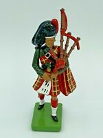 Blackwatch Piper Painted Metal Figure 1:32 Scale Gift Pack 41070 W Britain