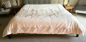 "CRATE and BARREL KING Duvet Cover WOODLAND 106""W x 96L White"