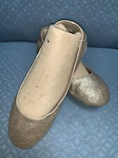 GIRLS FLATS YOUTH SIZE 3.5 GOLD SHIMMER SMART FIT SUPER CUTE!!