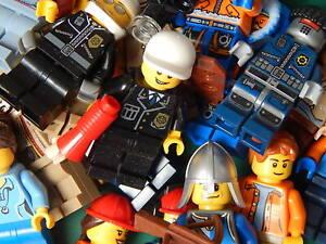 10 New Genuine Random Lego minifigures (685)