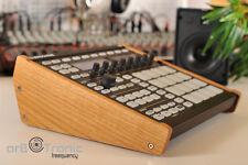 Native Instruments máquina mk1 mk2 madera auténtica páginas parte Wooden side panel Stand