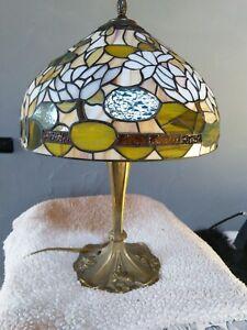 Tiffany TischleuchteHöhe ca. 58 cm, Durchmesser Lampenschirm ca. 38 cm