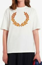 EUC FRED PERRY women's offwhite s/s laurel/wreath logo tee T-shirt szUS8